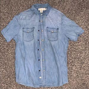 Denim washed blue button down shirt. Size Large